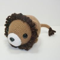 Luther the lion by Heartstringcrochet