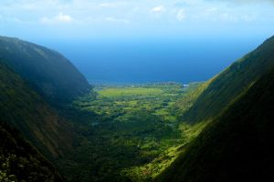 Big Hawai'ian Valley by AquarianPhotography