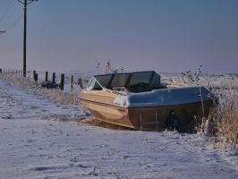 boat snow fence by fotophi