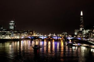 London Lights by somebodyaf