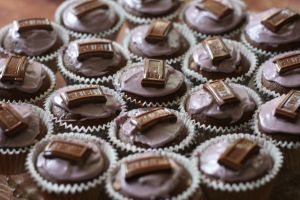 Hershey Cupcakes by livelaughlove816