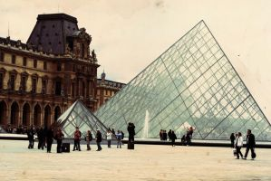 Louvre by chemicalflaw