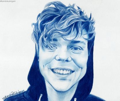Ashton Irwin by ludvigsen