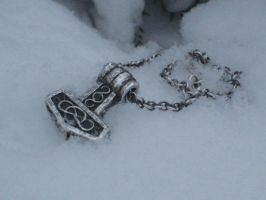 Thors Hammer with chain by Deryllithe