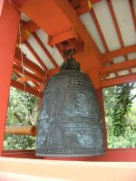 Peace Bell of Byodo-In Temple by rioka