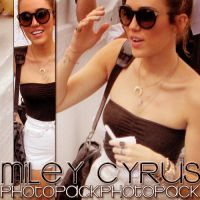 +Photopack Miley Cyrus by ThinkingOnYou