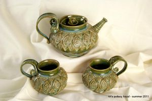 Moroccan tapestry tea set by ririspotteryhaus