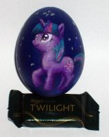 Twilight egg by DaOldHorse