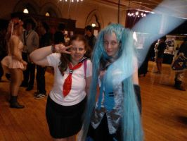 Me with Hatsune Miku cosplayer :D by OtakuRhi