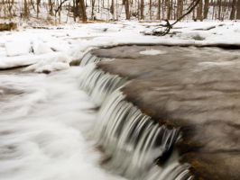 Winter Watterfall by greatmolanko