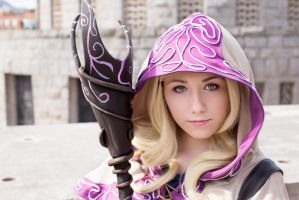 Lux Spellthief - League of Legends by NunnallyLol