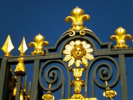 The Gate to Chateau de Versailles by Lily-Gangsta