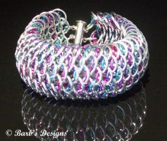 Berry Chainmaille Scale Bracelet by Barbsdesigns