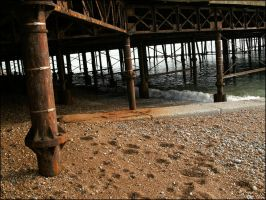 under pier by link-omthsed