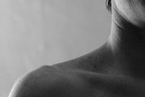 collarbone 2 by evelynzee