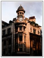Clock On The Corner by sillylittleidiot