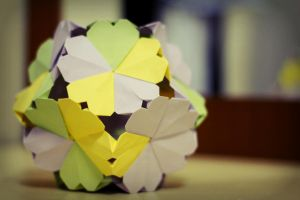 heartstring kusudama by leezarainboeveins