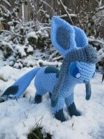 Glaceon by NerdyKnitterDesigns