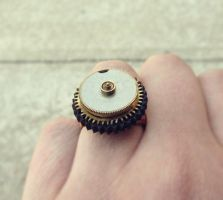Steampunk Daisy Ring by asunder