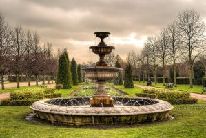 A Fountain in Regent's Park by dynamick