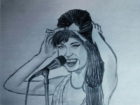Amy Winehouse smiling by feeleroffeels