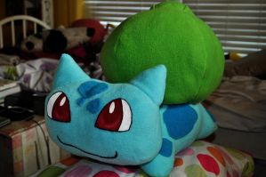 Relaxed Bulbasaur by Lexiipantz