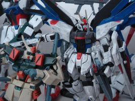 Buster and Freedom Gundam by ZGMF-X65S