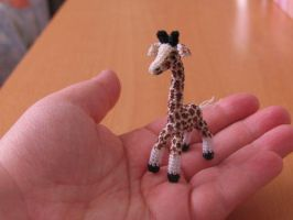Lil giraffe by lovebiser