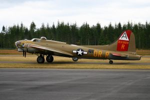 B-17G Flying Fortress by CopperbeltJack
