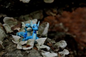 Dragonair and Dratini by thelastpterodactyl