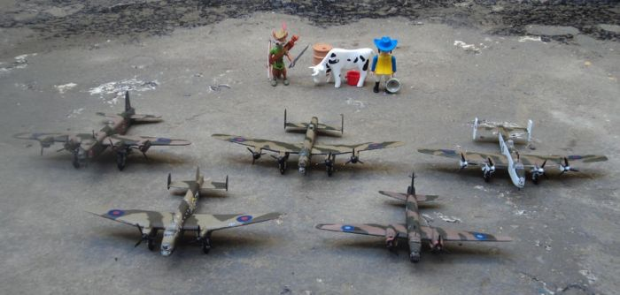 British Bombers and extras x3 by DingoPatagonico