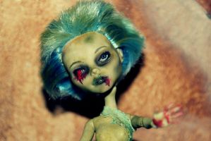 Ghoulia Yelps Skull Shores Doll (Monster High) by AliceWHatter