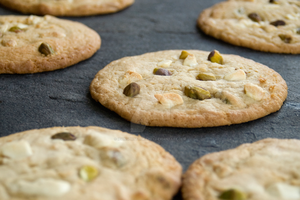 White Chocolate and Pistachio Cookies by iconsPhotography