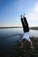 Handstand on powerful water by lorni3