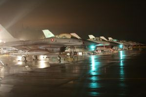F-16 Night and Rain. by Liam2010