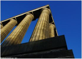 Les Colonnes by ValkAngie