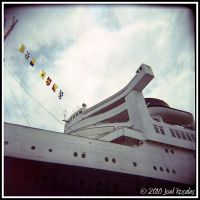 Queen Mary 3 by xjoelywoelyx