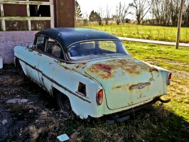 Rusting Chevy -HDR- by tripptaylor