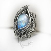LINTRIAELH  - Silver,  Moonstone ( ring ) by LUNARIEEN