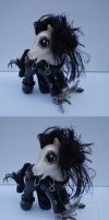 Edward Scissor Hooves by customlpvalley