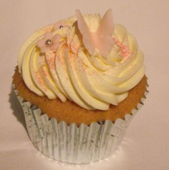 Pink and girly cupcake by MissMarysCakes