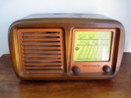 old radio by salepepe