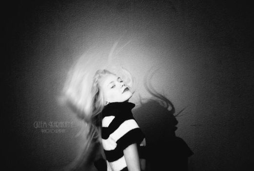 Dramatic Wind by joleneisme