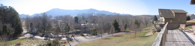 Tennessee House View Pan by Chiyaniwatori