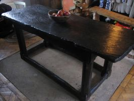 16th century table handcrafted by oakviking