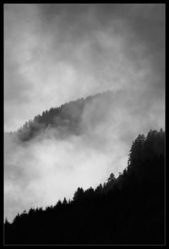 Mountains in the mist by karvasz