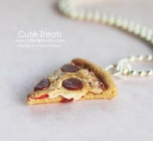 Pepperoni Pizza Necklace by Glowpr