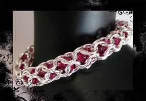 Fuschia chainmail mini 4mm by AngelElementsEtsy