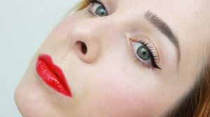 Red lips and eyeliner Makeup by Rosier-du-mal