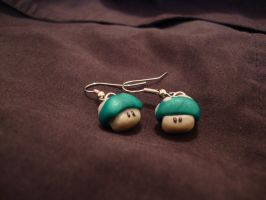 1 Up earrings by Menouthys